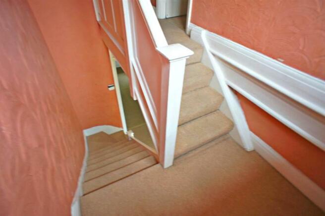 hatchlanestairs.jpg