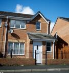 3 bedroom semi detached house in Gravenmoor Drive...