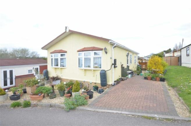 2 Bedroom Mobile Home For Sale In Quedgeley Park Tuffley