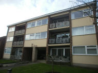 2 bedroom Flat in The Rise, Crescent Road,