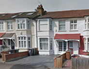 property to rent in Marmion Avenue...