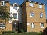 2 bedroom Flat in Beaufort Close, London...