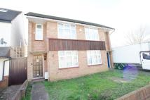 Flat to rent in Manor Way , Chingford ...