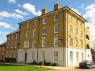 3 bed Ground Flat for sale in Peverell Avenue East...