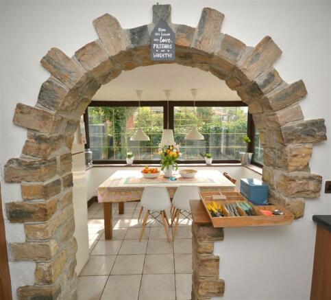 Kitchen arched.jpg