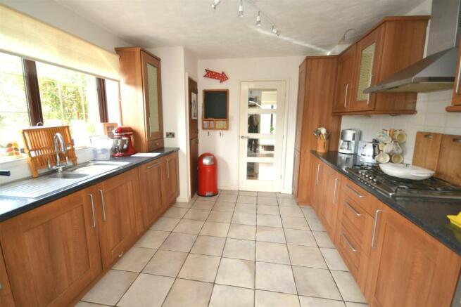 Kitchen 1ed.jpg