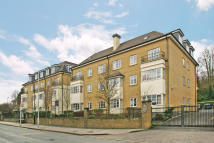 2 bedroom Ground Flat in Gresham Court...