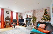Maisonette to rent in Crawthew Grove...