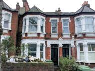Studio flat in Lordship Lane...