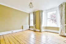 4 bed Terraced property to rent in  Worlingham Road...