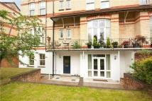 2 bedroom Flat in Cedar Court...