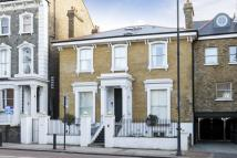 2 bedroom Flat for sale in East Hill, Wandsworth...