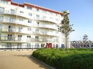2 bed Flat to rent in Harbourside...
