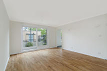 2 bedroom Flat in Olympian Court...