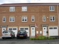 Town House to rent in 33 Parkedge Close, Leigh...