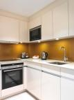 Studio flat in Bow Lane, London, EC4M