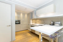 1 bed new Apartment in LOWER THAMES STREET...