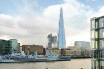 2 bed Penthouse in Lower Thames Street...
