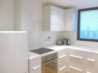 Studio flat to rent in TOWER BRIDGE ROAD...