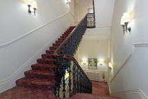 Apartment to rent in Hyde Park Gate, London...