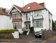 Apartment in Dollis Avenue, London, N3