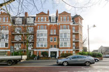 Flat to rent in Castelnau Mansions...