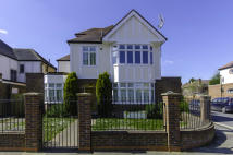 4 bedroom Detached home to rent in ferry road