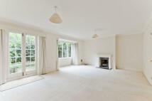 3 bedroom house to rent in Glentham Road, Barnes
