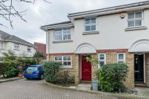 3 bedroom End of Terrace property in Lydden Grove, London