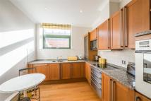 2 bed Flat in William Hunt Mansions...