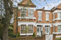semi detached property to rent in Bellevue Road, London