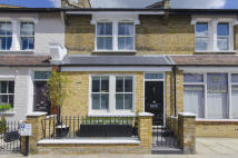 Terraced property to rent in White Hart Lane, London
