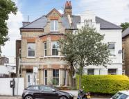 1 bedroom Flat in Cromford Road, London...