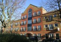 Flat to rent in Park House, Northfields...