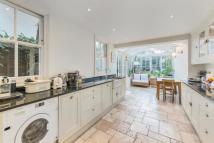 5 bed Terraced home in Amerland Road, London...