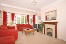 3 bedroom Flat in Exeter House...