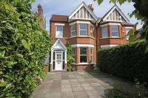 4 bed semi detached home in Queens Road, Wimbledon...