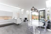 2 bedroom Flat for sale in Wimbledon Park Road...