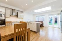 4 bed Terraced house for sale in Durnsford Road, London...