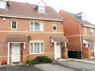 3 bedroom semi detached house in Gillquart Way...