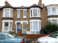 2 bed Ground Flat to rent in Darfield Road...