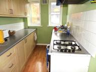 Flat to rent in Waldram Crescent...