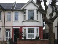 2 bedroom Flat in Hamlet Court Road...