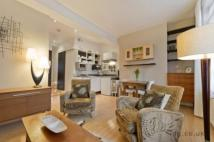 1 bed Flat to rent in Cleveland Street, London...