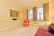 Flat to rent in Coryton House...