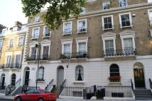 Apartment to rent in Arundel Square, London