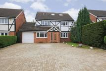 4 bed Detached house in Eastbury Road, Northwood
