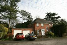 4 bedroom Detached property in Foxdell Close, Northwood