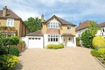 4 bedroom Detached house in Kewferry Road, Northwood