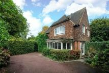 3 bed Detached house in Green Lane, Northwood